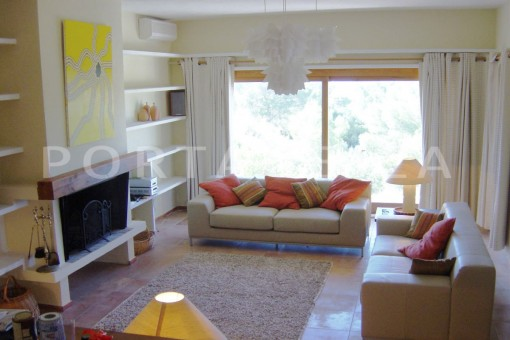 livingroom-cala moli-spacious villa-sea views