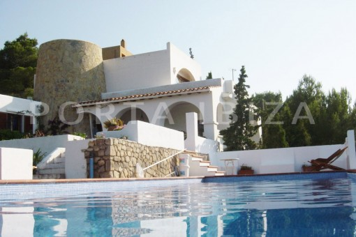 pool & terrace-cala moli-spacious villa-sea views