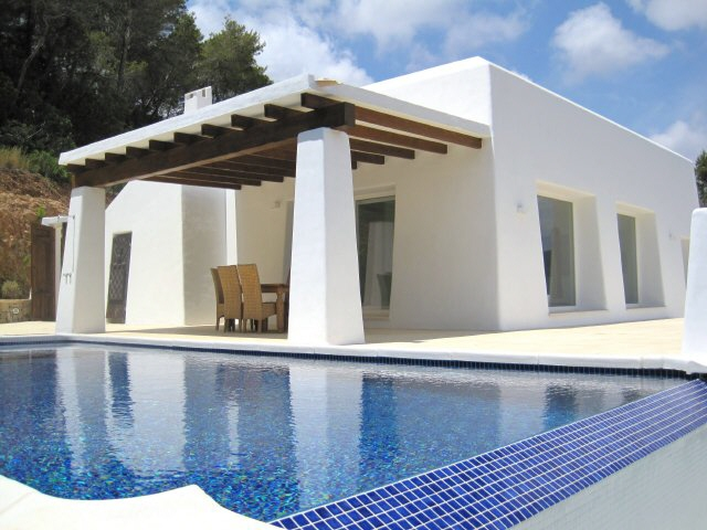 Recently built villa with fantastic views