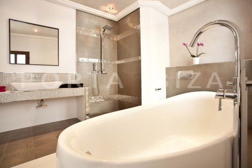 bathroom-villa-Ibiza