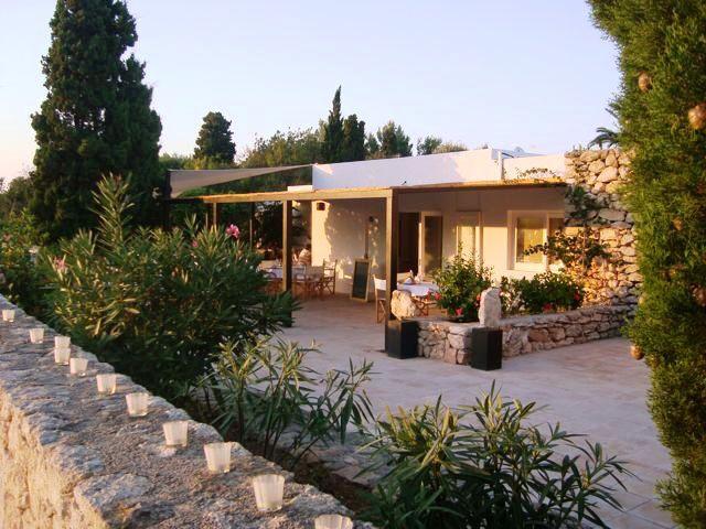 exterior-view-Roca-Llisa-finca