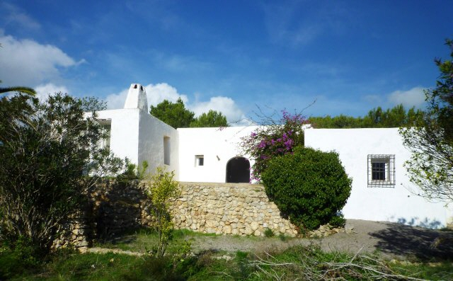 OFFER Beautiful finca in central location