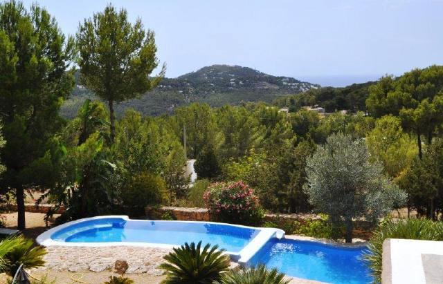 Cala-Vadella-view-to-the-landscape-villa