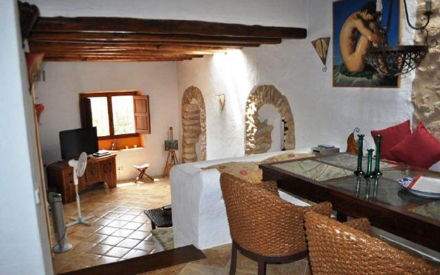 villa-Cala-Vadella-living-room-with-dining-area