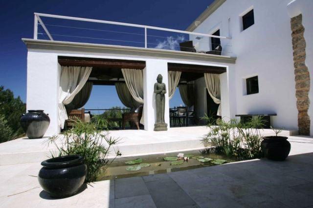 villa-comfortable-terrace-San-Miguel
