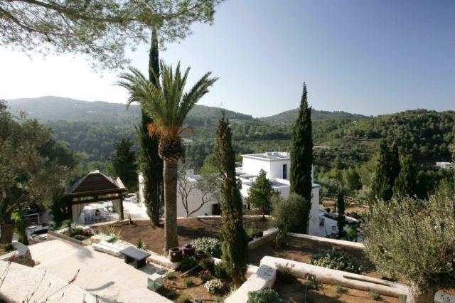 View-to-landscape-villa-San-Miguel