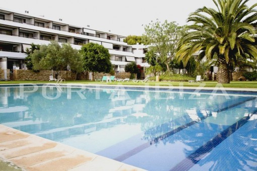 apartment roca llisa pool area
