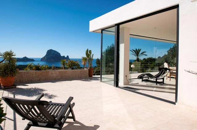 Fantastic property with view to Es Vedra