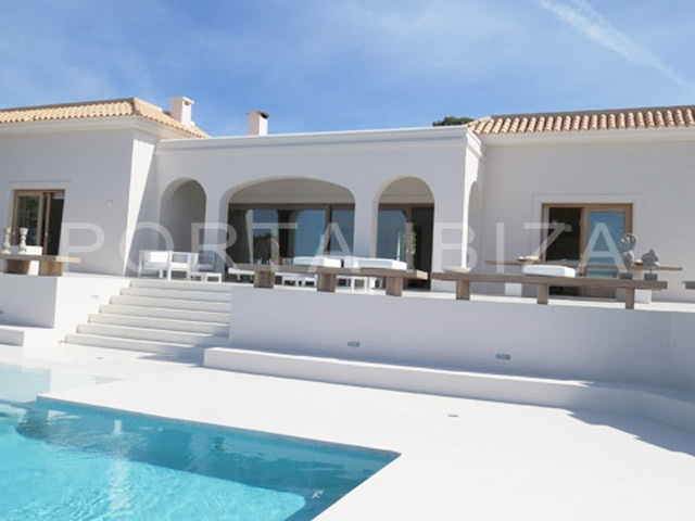 Luxury property with fantastic sea views and...