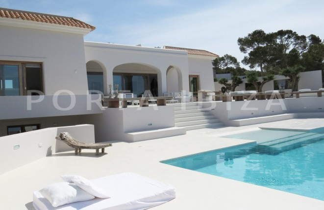 Luxury property with fantastic sea views and sunset views between Cala Tarida y Cala Conta