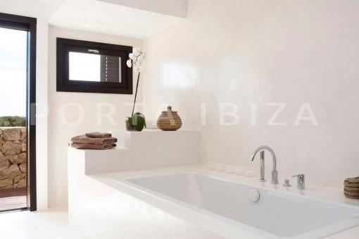 bath-marvelous villa-calo d'en real-ibiza