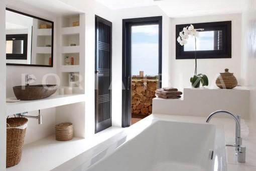 bathroom-marvelous villa-calo d'en real-ibiza