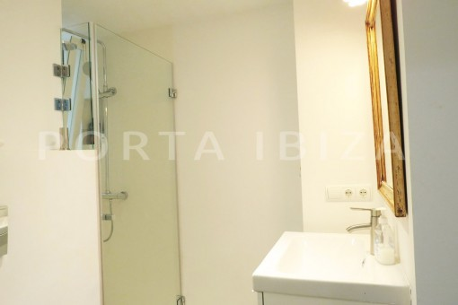 bathroom-wonderful apartment- Botafoch-Ibiza