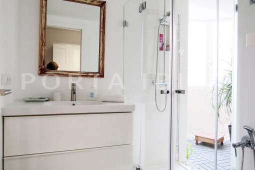 bathroom2-wonderful apartment- Botafoch-Ibiza