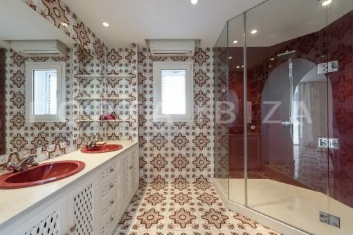 bathroom4-unique property-private sea access-fabulous views