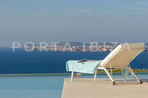 relax-unique property-private sea access-fabulous views
