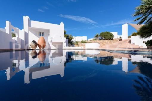 second pool-unique property-private sea access-fabulous views