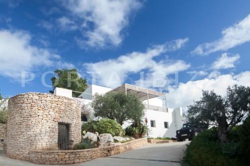 Wonderful modern villa in a magnificent...