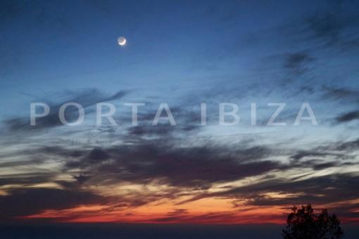 moon-wonderful modern villa-magnificent setting-Na Xamena