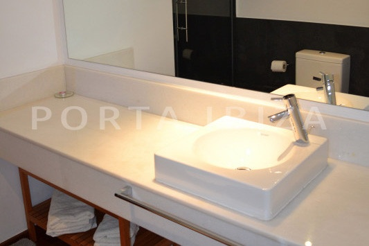 bathroom1-beautiful apartment-Botafoch-sea views