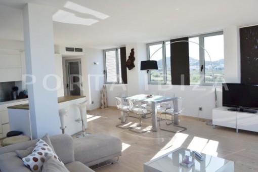 living & dinner-beautiful apartment-Botafoch-sea views