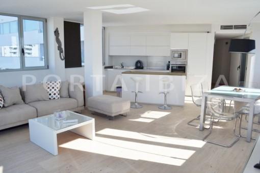 living-beautiful apartment-Botafoch-sea views