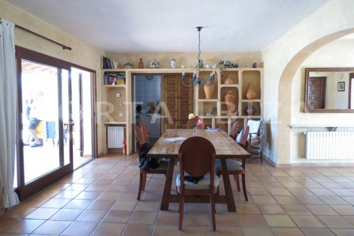 dinner area-high quality country house-Es Cubells-fabulous landscape views