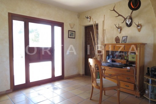 entrance area-wonderful high quality country house-Es Cubells