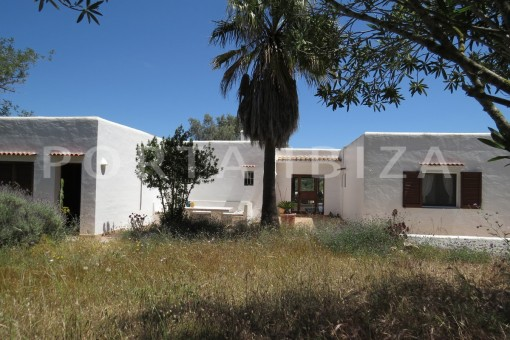 high quality country house-Es Cubells-fabulous landscape views