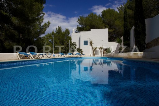 pool-party and retreat house-close to ibiza