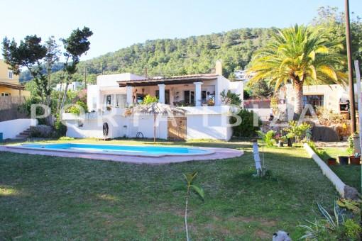 beautiful house-garden & pool-Sa Carroca