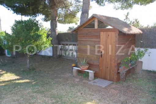 garden-beautiful house at Sa Carroca