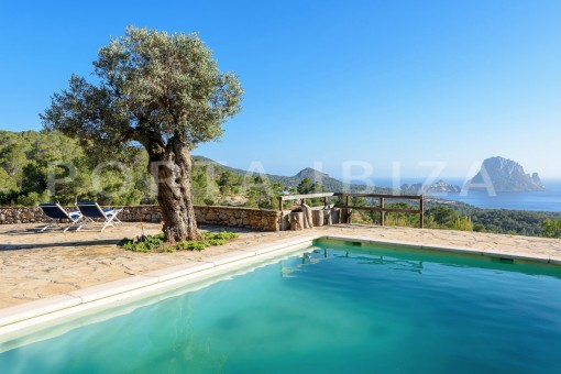 Unique property with fabulous panoramic views to Es Vedra