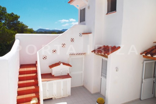 patio-charming house-Cala Codolar-views to Es Vedra