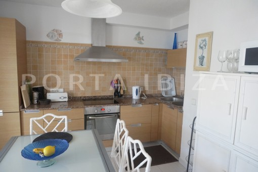 kitchen-charming apartment-beautiful view-Coralmar