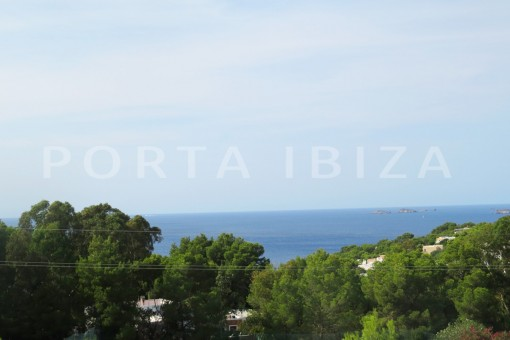 Fabulous duplex apartment in Cala Carbó with sea view
