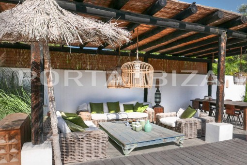 finca covered chill out porroig