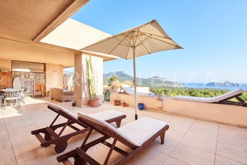 apartment covered terrace cala carbo