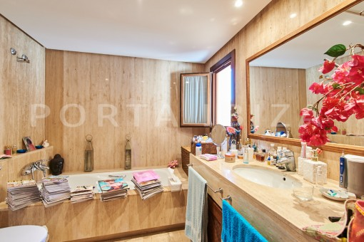 cala carbo bathroom apartment