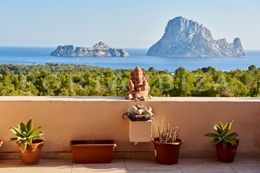 Wonderful apartment in Cala Carbo with breathtaking views of Es Vedra