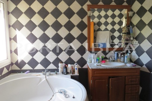 bathroom house cala vadella