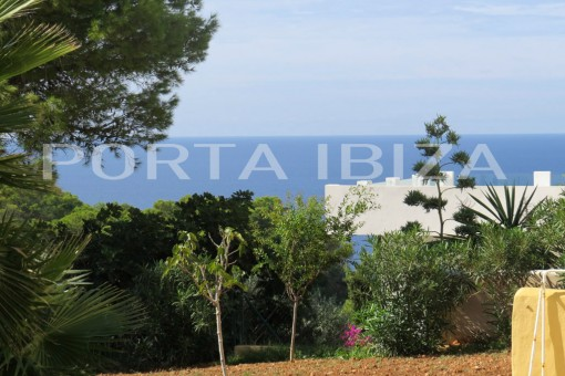 Detached house with sea views in Cala Vadella