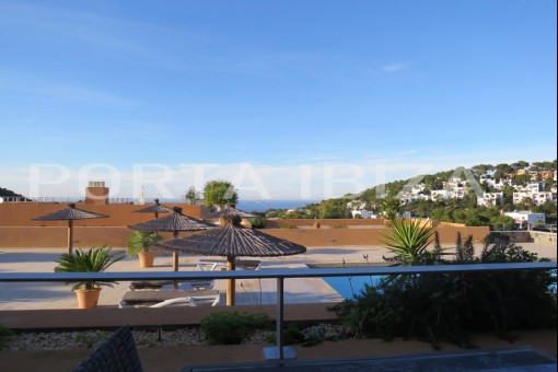 apartment cala carbo pool