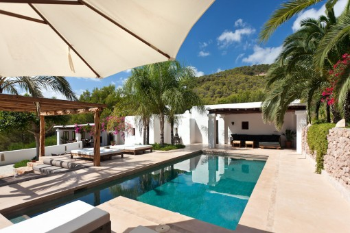 Marvelous renovated finca with fantastic views...