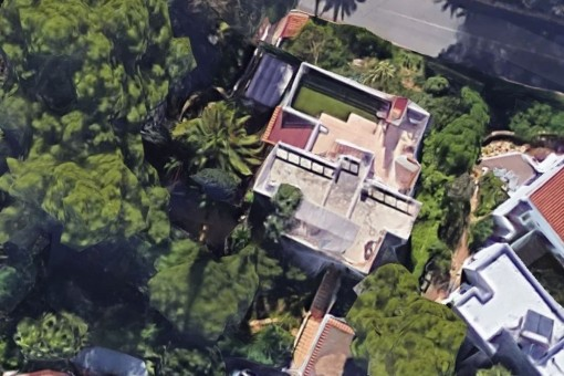 The property form a birds-eye view