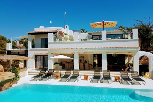 Amazing and exceptional luxury Villa located in Cap Martinet (Jesús) with 15 bedrooms