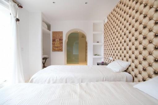 Further guest bedroom