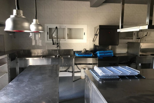 Alternative view of the kitchen