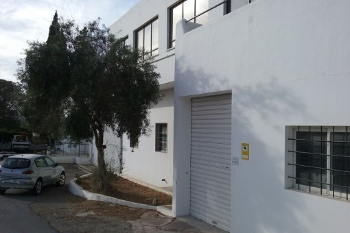 Perfectly located industrial hall between Sant Antonio and Ibiza