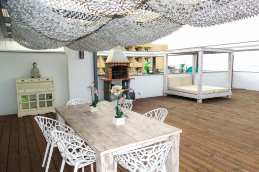Large wooden Terrace